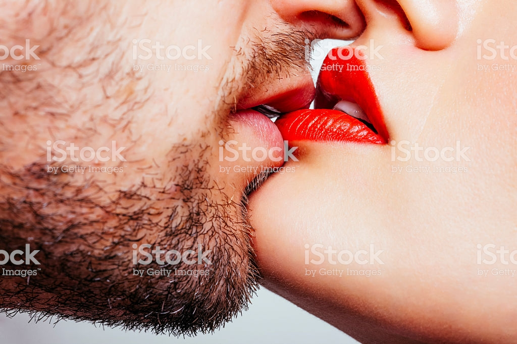 KISSING SECRETS